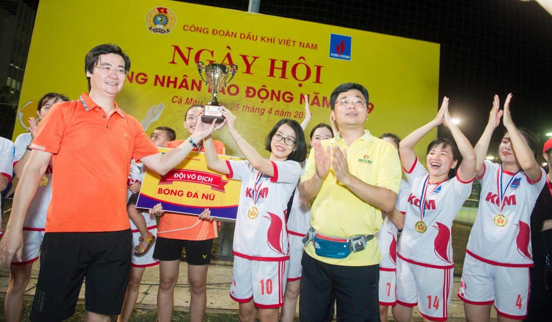 Đội bóng đá Nữ của KCM đã xuất sắc giành được giải Vô địch