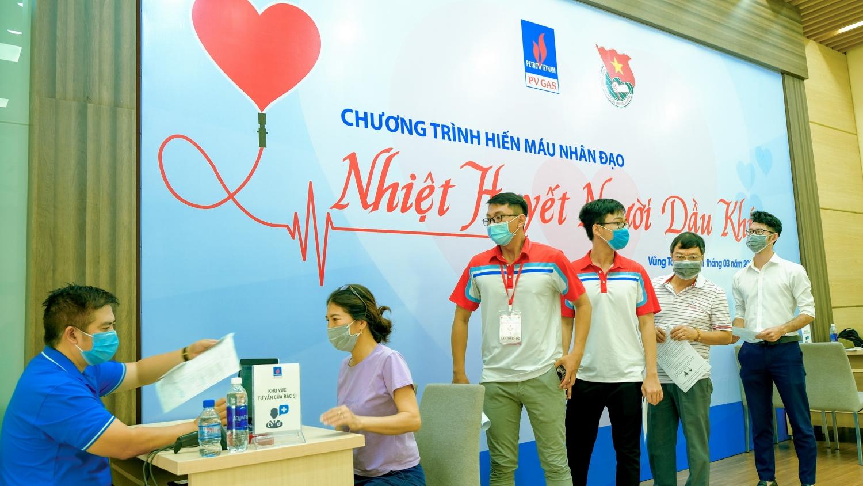 Đăng ký hiến máu tại chương trình