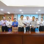 """PVOIL và VPI ký kết """"Hợp đồng dịch vụ tư vấn nghiên cứu về pin và trạm sạc cho xe ô tô điện"""""""