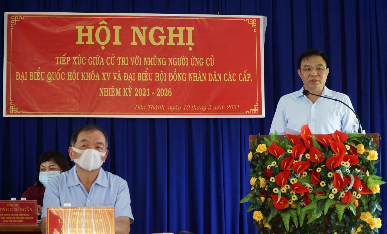 TGĐ Tập đoàn Dầu khí Việt Nam Lê Mạnh Hùng trình bày chương trình hành động tại Hội nghị tiếp xúc cử tri xã Hòa Thành và xã Hòa Tân, TP Cà Mau