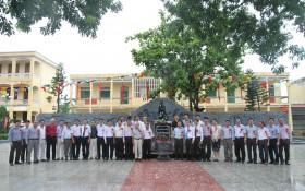 PTSC Marine và đối tác xây tặng trường Nguyễn Bỉnh Khiêm 2 bức phù điêu
