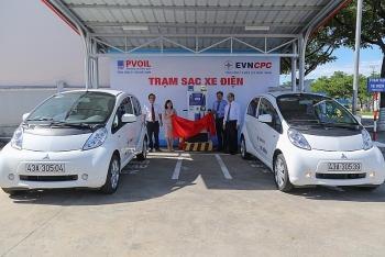 PVOIL khánh thành trạm sạc xe điện tại cửa hàng xăng dầu đầu tiên ở Việt Nam