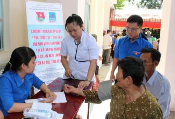 PV GAS tổ chức khám bệnh, tặng quà cho người nghèo tỉnh Bến Tre