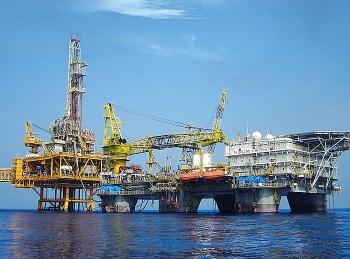 Chứng khoán 4/8: VN – Index tăng phiên thứ 8 liên tiếp, nhóm cổ phiếu Dầu khí giao dịch tích cực