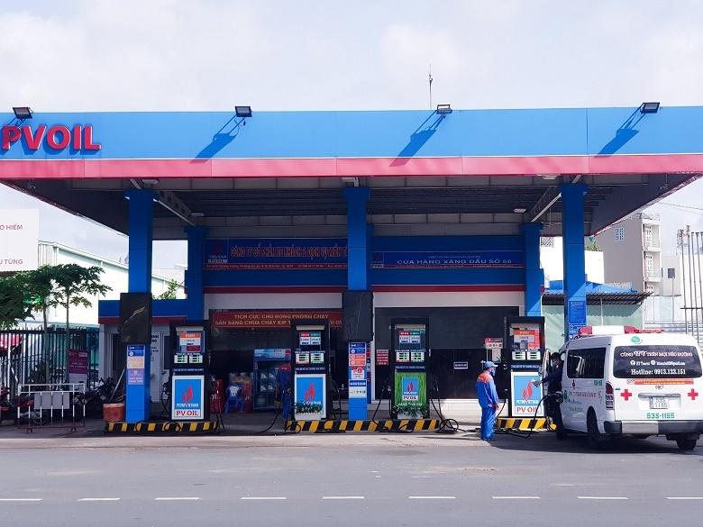 PVOIL đang hỗ trợ xăng dầu miễn phí cho một xe cứu thương