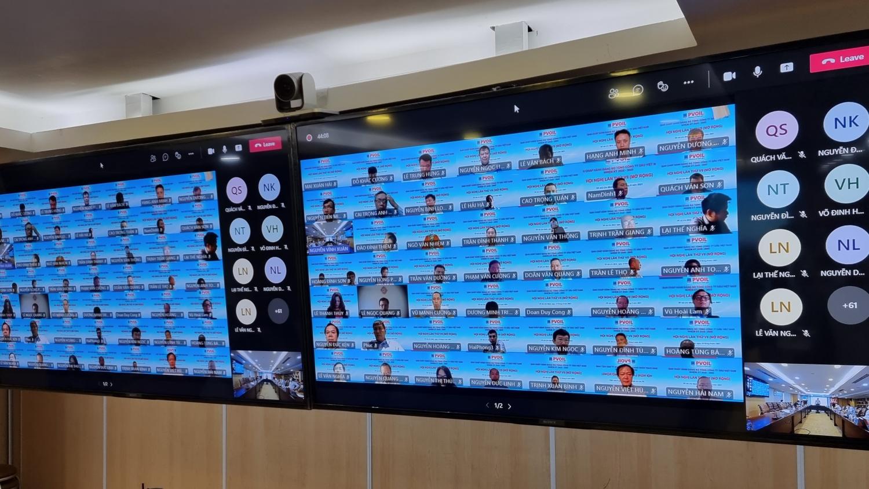Các thành viên dự Hội nghị qua ứng dụng hội nghị trực tuyến