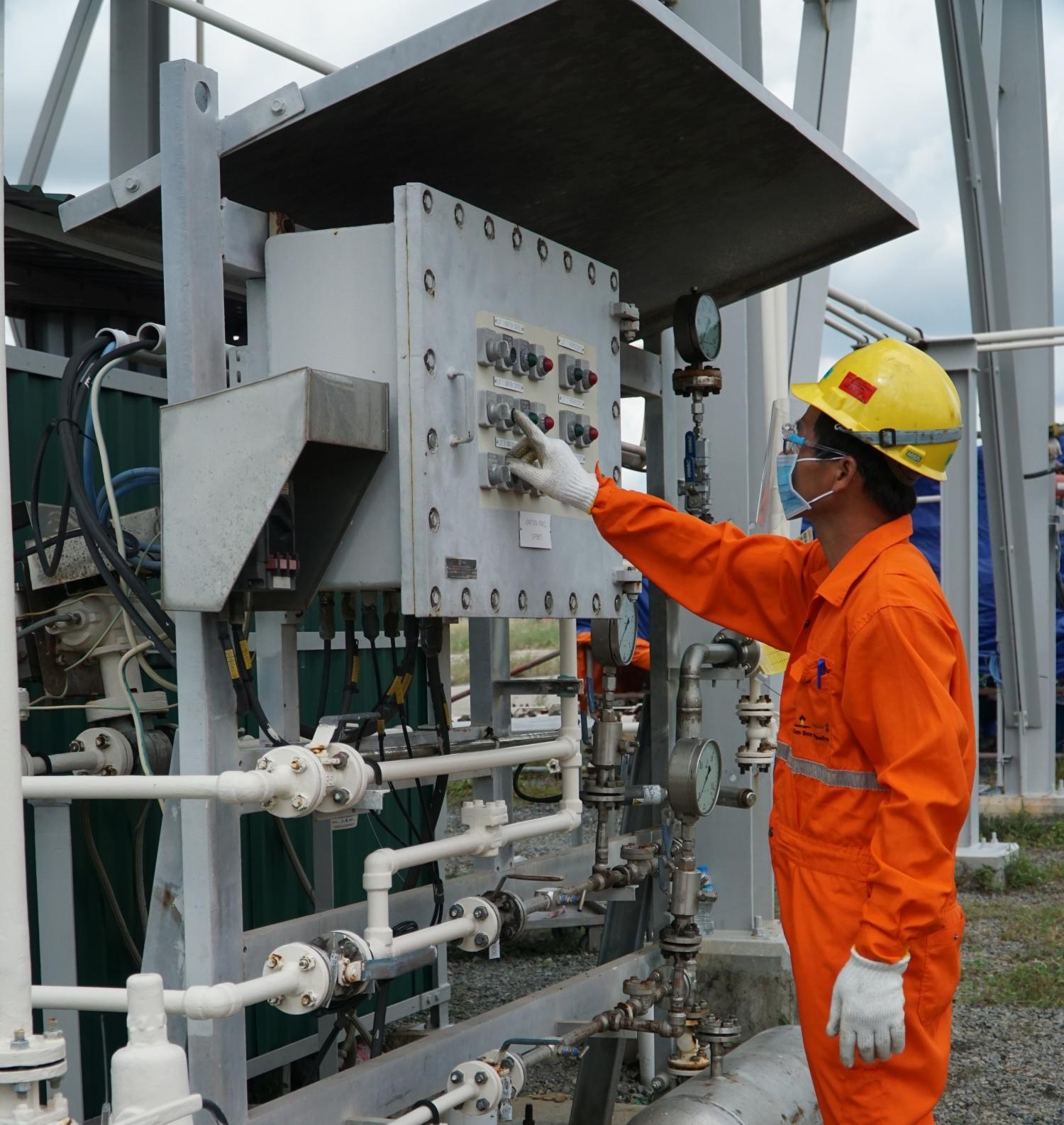 Giữ vững chất lượng - an toàn - sức khỏe NLĐ tại các công trình, hệ thống khí
