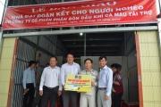 Đạm Cà Mau trao 10 nhà Đại đoàn kết cho hộ nghèo huyện U Minh, Cà Mau