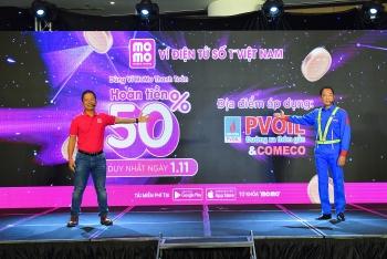 Dùng ví MoMo mua xăng dầu của PVOIL được hoàn tiền đến 50%