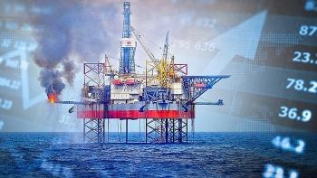 Chứng khoán 5/10: VN-Index vượt mốc 1.350 điểm, cổ phiếu Dầu khí tiếp đà tăng