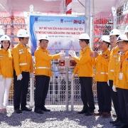 Petrovietnam/PV GAS đón nhận dòng khí đầu tiên từ mỏ Sao Vàng đến đường ống Nam Côn Sơn 2
