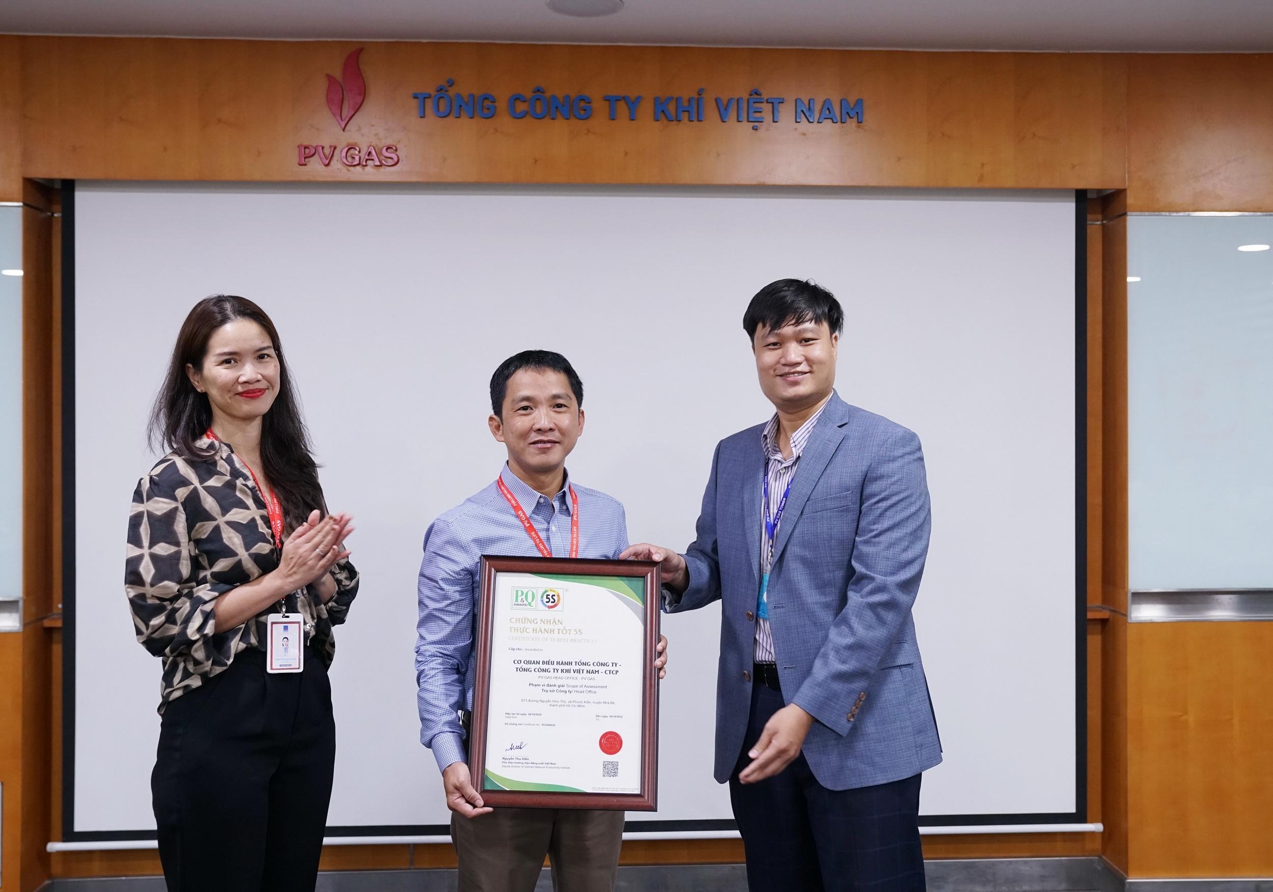 Viện năng suất Việt Nam cấp chứng nhận thực hành tốt 5S cho Cơ quan Điều hành PV GAS