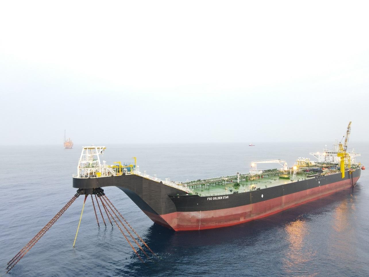 Kho nổi FSO Golden Star được lắp đặt thành công tại mỏ Sao Vàng