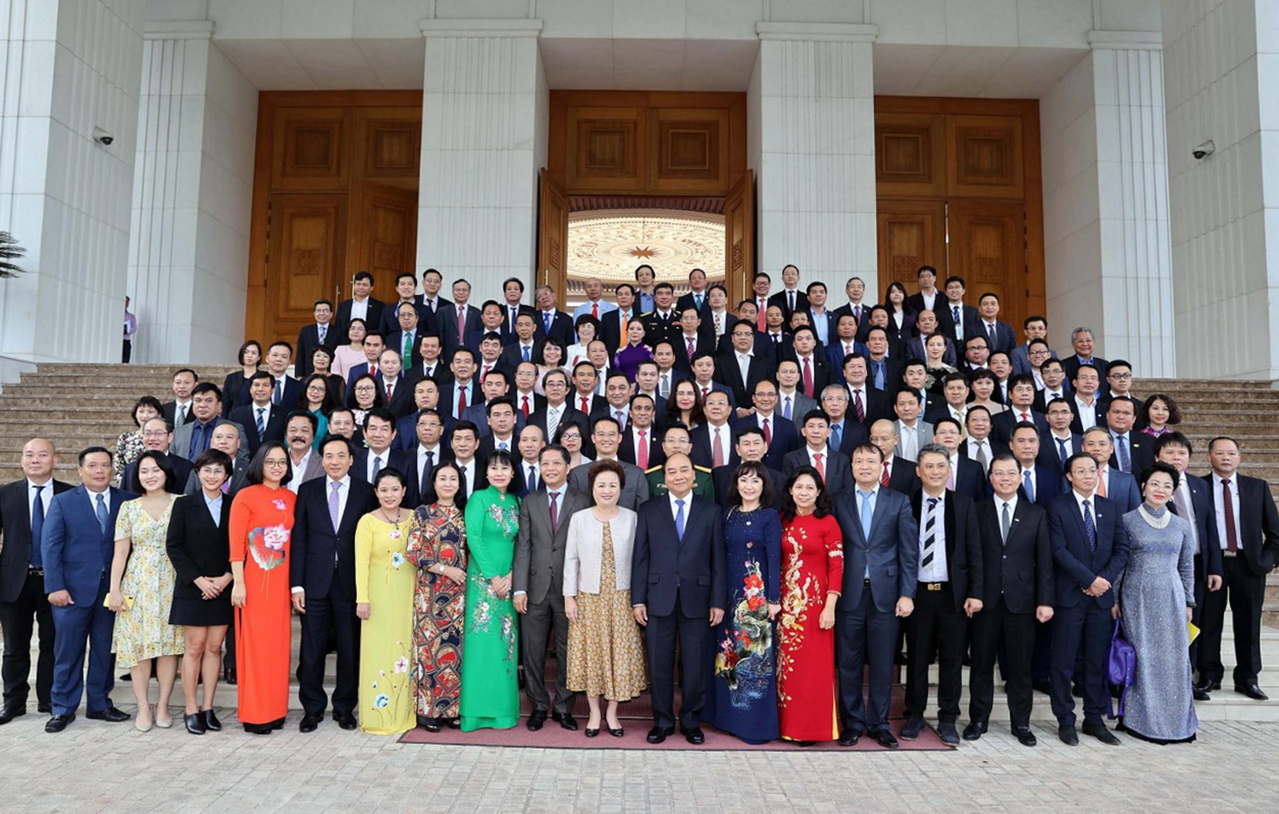 Thủ tướng Chính phủ gặp gỡ và chúc mừng các doanh nghiệp được vinh danh Thương hiệu Quốc gia 2020