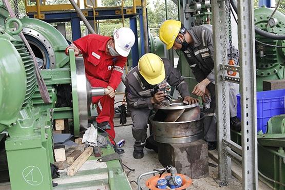 NT2 và nhà thầu phối hợp trong quá trình trung tu nhà máy