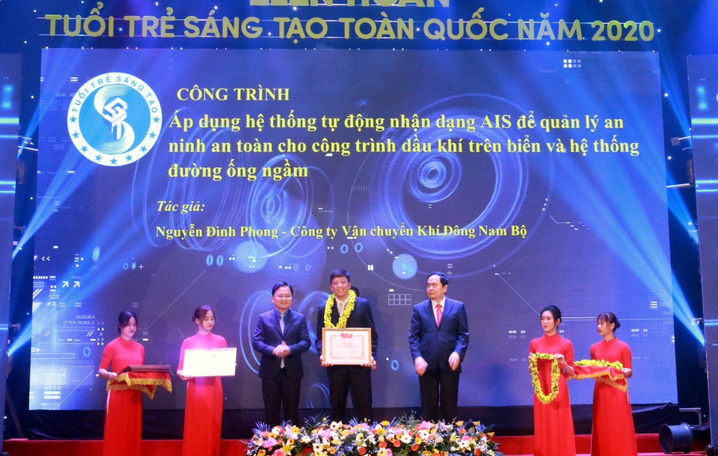 Tuyên dương tác giả Nguyễn Đình Phong – KĐN