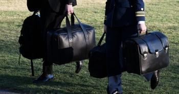 Nghị sĩ kêu gọi Tổng thống Mỹ từ bỏ quyền tùy ý tấn công hạt nhân