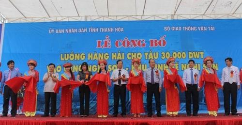 le cong bo luong hang hai cho tau 30000 dwt vao cang nghi son