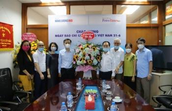 Lãnh đạo Hội Dầu khí Việt Nam chúc mừng Tạp chí Năng lượng Mới - PetroTimes