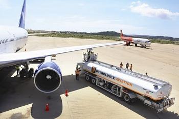 Trình Chính phủ dự án Nghị quyết giảm 30% mức thuế bảo vệ môi trường đối với nhiên liệu bay