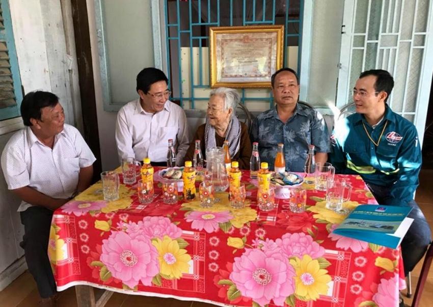 tet sum vay cho nguoi lao dong dau khi tai cong truong long phu 1