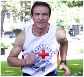 Cựu nghị sĩ Pat Farmer chạy bộ xuyên Việt vì nước sạch