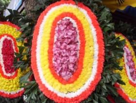 Công chức không mang vòng hoa viếng khi đi tang lễ