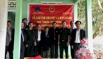 """Trao nhà """"Nghĩa tình đồng đội"""" tại Thừa Thiên Huế"""