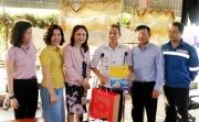 CĐ DKVN thăm hỏi, tặng quà các gia đình chính sách tỉnh Thanh Hóa