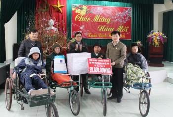 Hội Cựu chiến binh PVN tặng quà Tết tại Thái Bình, Lào Cai