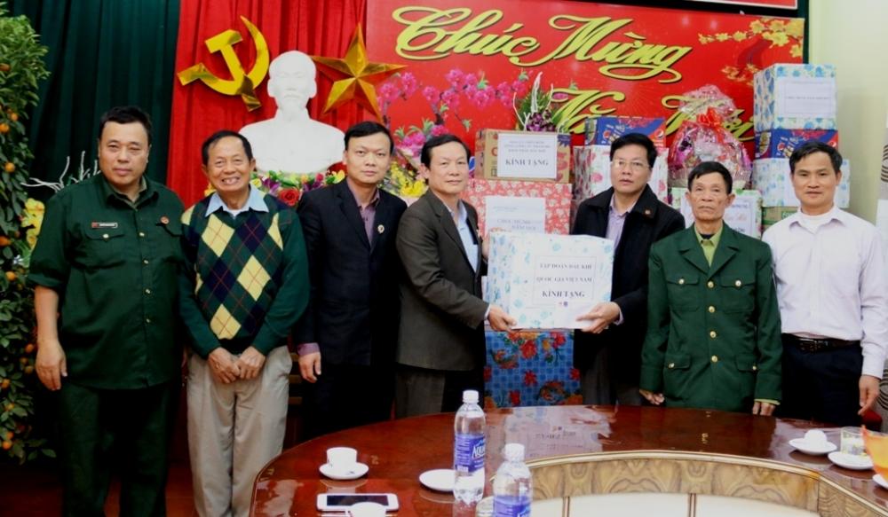 Hội Cựu chiến binh PVN thăm, tặng quà Tết tại Phú Thọ, Hà Giang