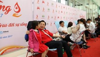 Lễ hội Xuân Hồng 2017 thiết lập kỷ lục hiến máu mới