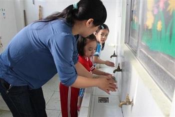 Bộ GD&ĐT hướng dẫn phòng, chống dịch bệnh Covid-19 trong trường học