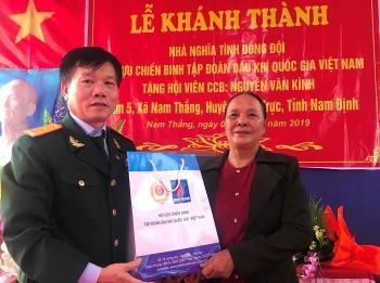 """Hội CCB Tập đoàn trao nhà """"Nghĩa tình đồng đội"""" tại Nam Định"""