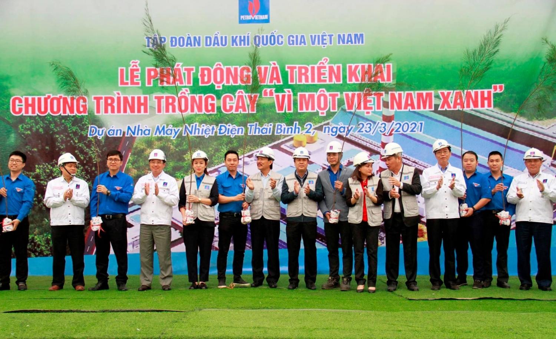 Tuổi trẻ các đơn vị Cụm Phối hợp hoạt động Đoàn Petrovietnam khu vực phía Bắc tổ chức về nguồn giáo dục truyền thống lịch sử