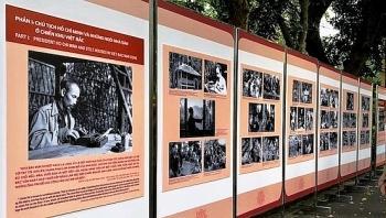 """Trưng bày tư liệu quý """"60 năm Nhà sàn Bác Hồ trong Khu Phủ Chủ tịch"""""""