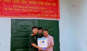 """Hội CCB Tập đoàn trao nhà """"Nghĩa tình đồng đội"""" tại Lào Cai"""