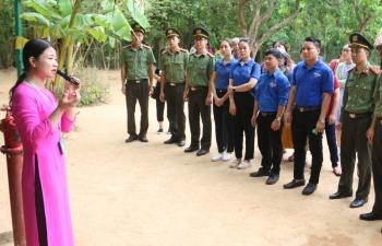 Đoàn Thanh niên Tập đoàn về thăm quê Bác