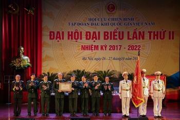 Hội CCB Tập đoàn DKQG VN đón nhận Huân chương Lao động hạng Ba