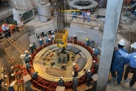 Cận cảnh việc hạ Rotor tổ máy 1 ở Thủy điện Hủa Na