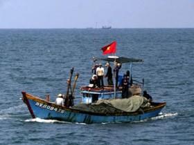 PVFCCo ủng hộ ngư dân Quảng Ngãi bám biển Trường Sa, Hoàng Sa 200 triệu đồng