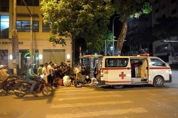 Tài xế xe cứu thương gây tai nạn rồi bỏ trốn