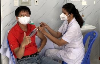 BIENDONG POC triển khai tiêm vắc-xin cho người lao động trên giàn Hải Thạch – Mộc Tinh