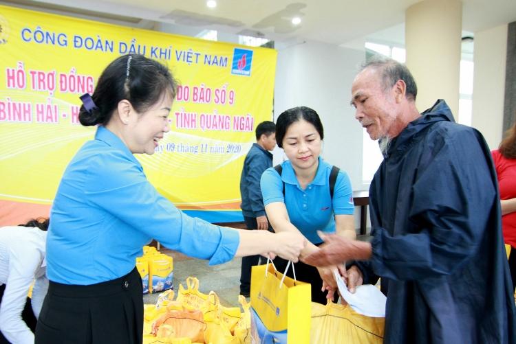 Công đoàn Dầu khí Việt Nam hướng về miền Trung yêu thương