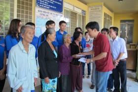 Đoàn Thanh niên PV Drilling trao quà từ thiện tại Đồng Tháp