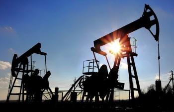 Giá xăng dầu hôm nay 16/11: Lấy lại đà tăng nhẹ