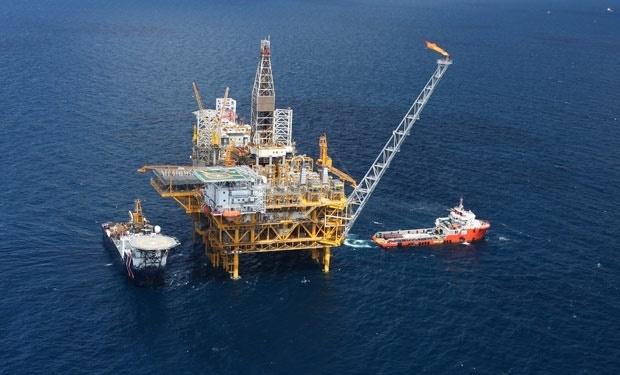 Giá xăng dầu hôm nay 8/3: Giữ đà tăng mạnh, dầu Brent vượt ngưỡng 70 USD