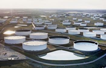 Giá xăng dầu hôm nay 25/3: Tăng mạnh, dầu Brent lên mức 63 USD