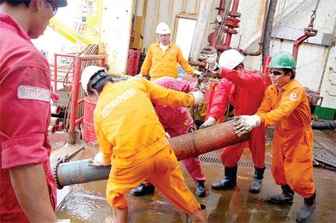 Giá xăng dầu hôm nay 8/4: Lấy lại đà tăng nhẹ, dầu Brent lên mức 63 USD