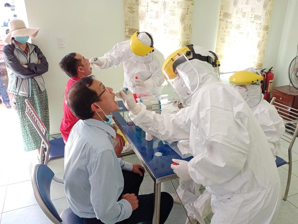 BSR tổ chức xét nghiệm Covid-19 cho nhân sự trực tiếp sản xuất